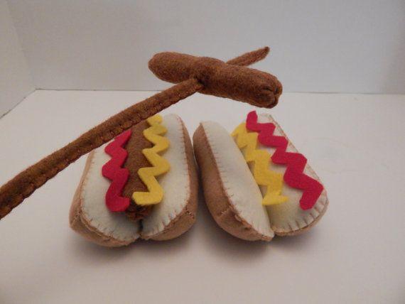 Hot Dog avec de la moutarde feutre alimentaire en peluche jouet-ensemble de deux bâtons de torréfaction