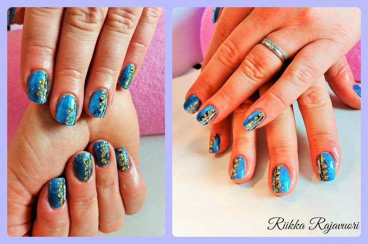 Kynsiblogi - Kynnet vastakkain - Mosaic - Foil - Foil Gel - Sininen