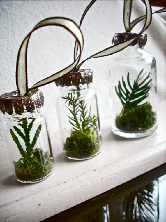 Spruce Terrarium Ornaments #DIY #Christmas
