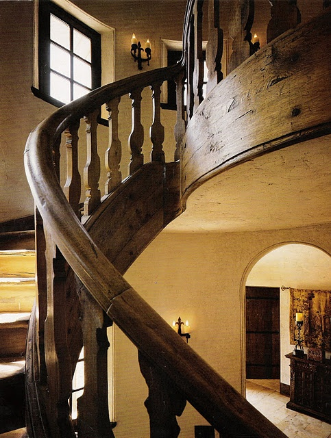 love rail: Decor Hom Design, Dreams Houses, Spirals Stairca, Awesome Stairca, Amazing Stairca, Houses Stairca, Wood Spirals, Wooden Staircases, Wooden Stairs