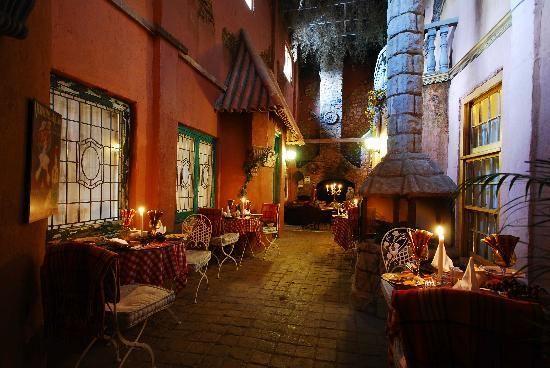 La Provence D'Afrique: lovely streetcafe'/bistro