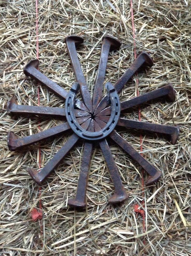 Railroad Spike Crafts Bursting Star With Horse Shoe Check Out American Pinterest Spikes