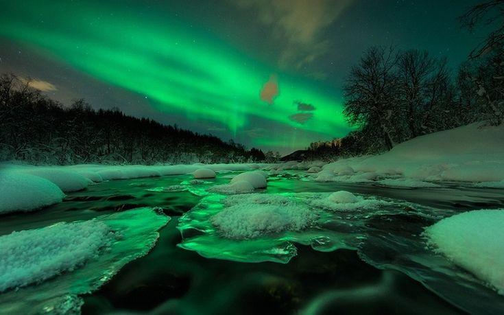 Northern lights theme for windows 10 for Sfondi desktop aurora boreale