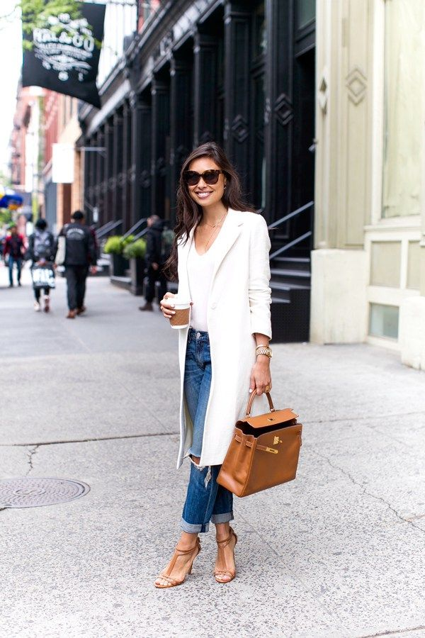 white linen coat + boyfriend jeans.