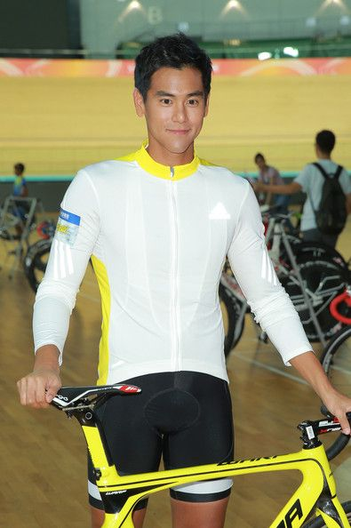 """Eddie Peng Photos Photos - (CHINA OUT) Actor Eddie Peng attends new movie shooting of """"To The Fore"""" on August 19, 2014 in Hong Kong, China. - New Movie Shooting Of """"To The Fore"""" In Hong Kong"""