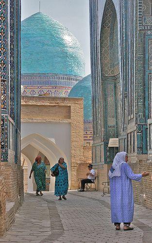 Shah i Zinda Necropolis, Samarkand, Uzbekistan #myhappytravels @whitestuff