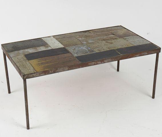 Table basse, plateau de carreaux en céramique XXème siècle www.jifcollin.com