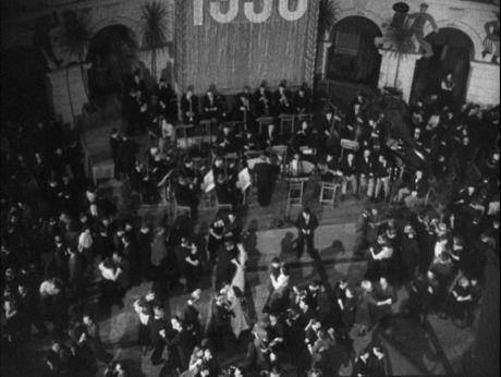 New Year/ Warsaw/ 1950 [video] (Repozytorium Cyfrowe Filmoteki Narodowej) #NewYear, #Warsaw #Poland