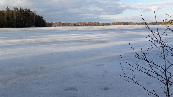 #aurinkolaskee #jää #järvi #kevätilta #Puula #lake #spring #ice