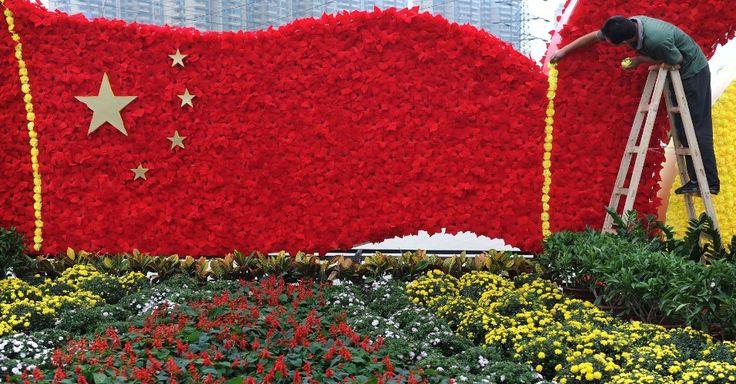 China abre parque de diversões comunista; veja atrações curiosas no país