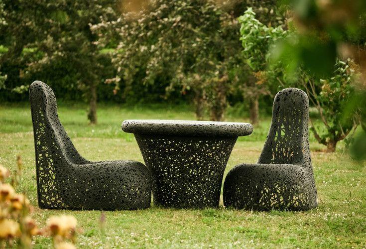 Komfortowy fotel Lucky Whale z kolekcji mebli wulkanicznych. Idealny do wypoczynku w ogrodzie.