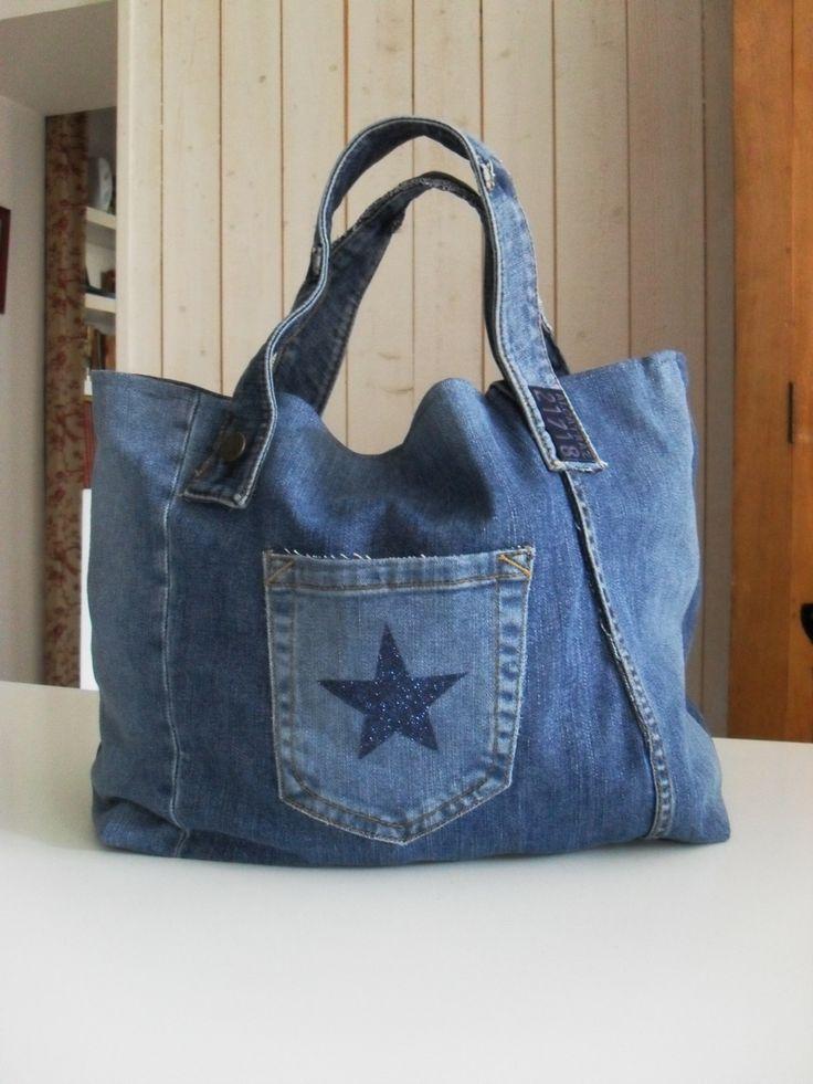 sac cabas en jean recyclé poche etoile star bleu navy : Sacs à main par la-fee-dixdoigts