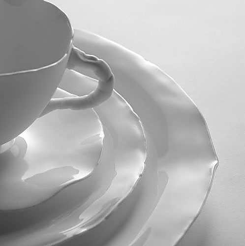New tableware by Serax Maison D'Etre arriving at Oikos