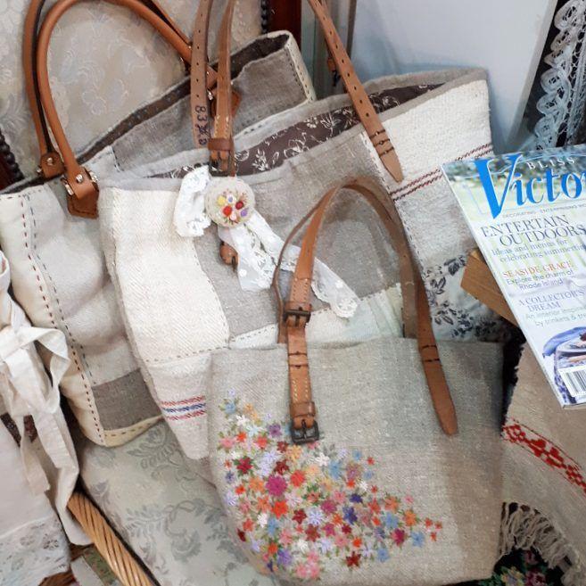#Embroidery#stitch#needlework#hamp linen #프랑스자수#일산프랑스자수#자수#자수타그램#햄프린넨#햄프린넨가방 #자연스러운 멋~