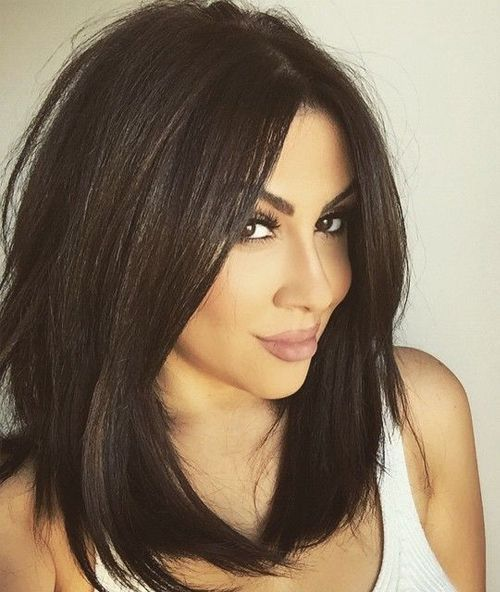 Hairstyles For Women Over 30 Shoulder Length Layers Middle Part