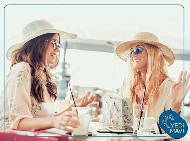 Farklı lezzetleri tatmak, kendinize ve sevdiklerinize zamana ayırmak istediğinizde birbirinden şık kafe ve restoranlar asansörle ulaşabileceğiniz kadar yakınınızda.  Yedi Mavi, sevdiklerinizle buluşmalarınızın en önemli adresi olacak!  #yedimavi #modern #yaşam #mimari #peyzaj #manzara #hayat #proje #yedimavideyasam #istanbul #turkey #prestij #deniz #sosyalyasam http://turkrazzi.com/ipost/1521804607650935014/?code=BUeiTpQljDm