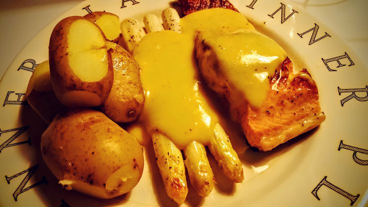Its peak season for asparagus, and I want to share with you a simple indulgent recipe for salmon and hollandaise that go perfectly with white asparagus.
