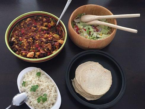 Tortilla's met pittige Mexicaanse gehakt-groente schotel - Sophie Glutenvrij