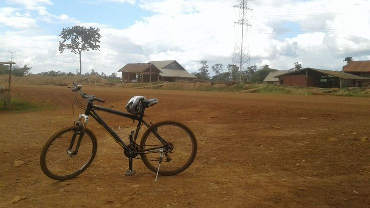 Biking the Cardamoms Days 1 & 2: Pursat to Pramaoy