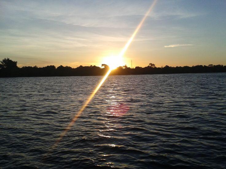Pôr do Sol no Rio São Franciso. Pura energia e beleza. Força que a cada pôr do sol surge um novo nascer.