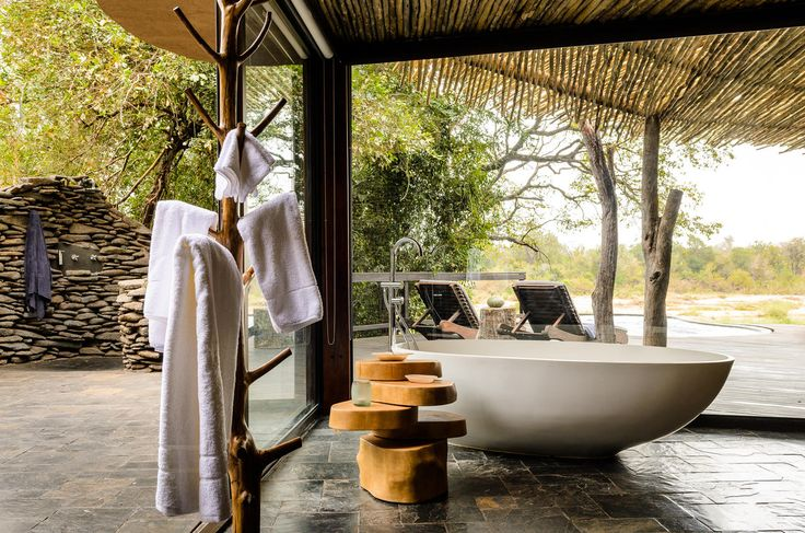 Who feels like a relaxing bubble bath? #safariLodge #luxurylodge #SouthAfrica