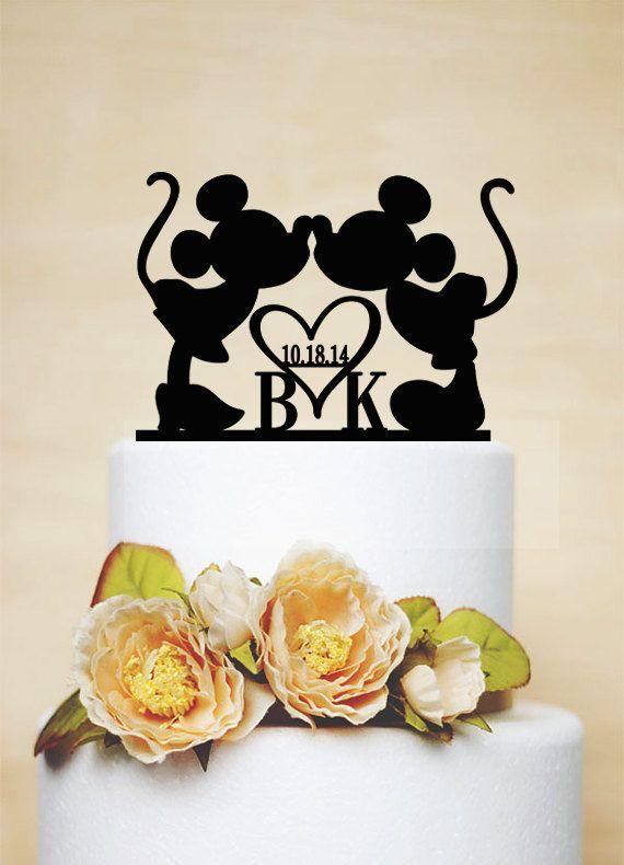 Benutzerdefinierte Hochzeitstorte Topper, Mickey & Minnie Cake Topper mit Hochzeitsdatum, Initialen Cake Topper, Brautdusche Topper, Hochzeit Dekoration-I022