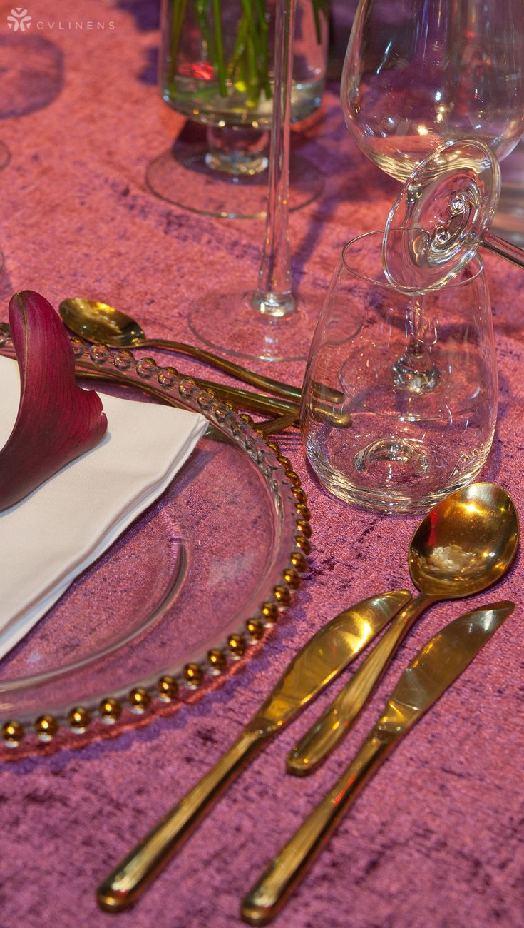 Velvet 90″x156″ Rectangular Tablecloth – Mulberry