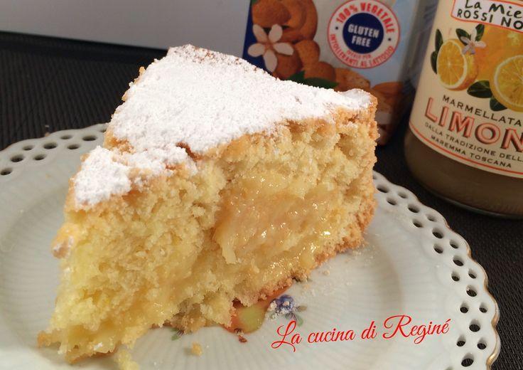 torta con latte di mandorla e crema di limone
