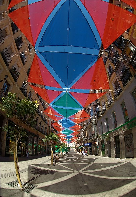 Street-Shade in Madrid