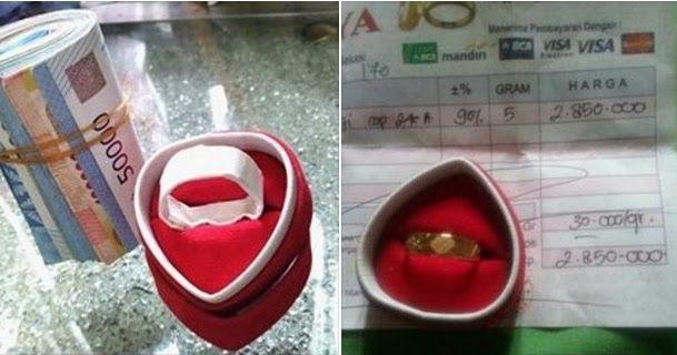 Subhanallah... Seorang Ibu Menyerahkan Cincin Emas Perhiasan Satu-satunya Untuk Bantu Aksi Bela Islam 212