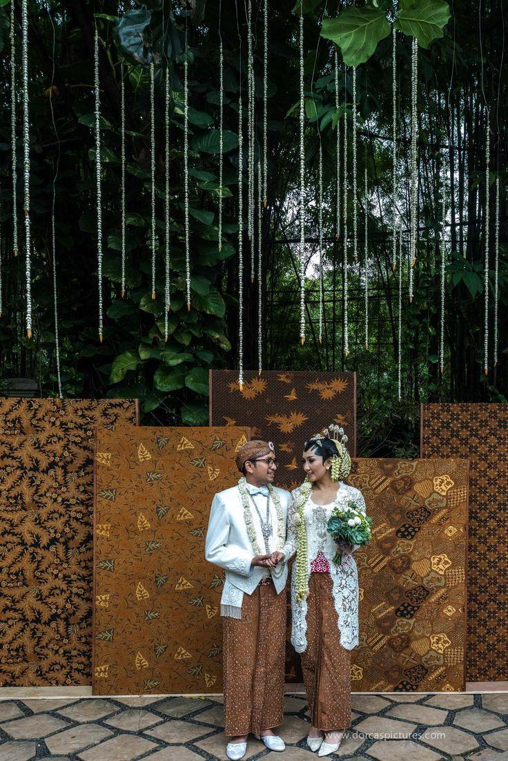 Pernikahan Jawa dengan Suasana Outdoor di Plataran Dharmawangsa - dorcas-26928