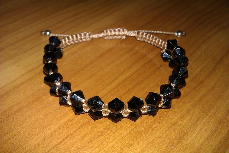 Macrame bracelet by CC Bracelets