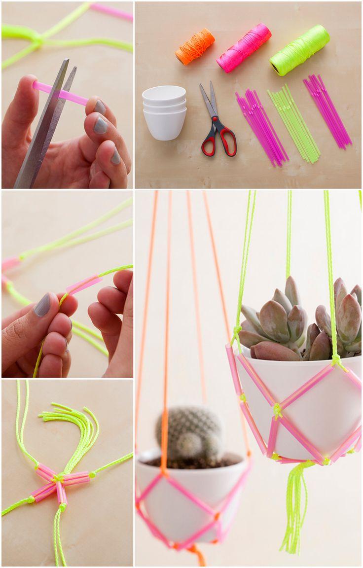 Straw Hanging Panter - bloembak / plantenhanger van rietjes (of PVC - plastic buisjes van een vliegengordijn) en touw knopen / macramé