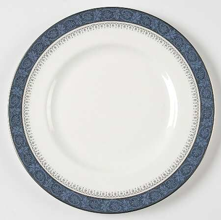 Royal Doulton China Set || Dimensions: 10 1/4. Quantity: 12.
