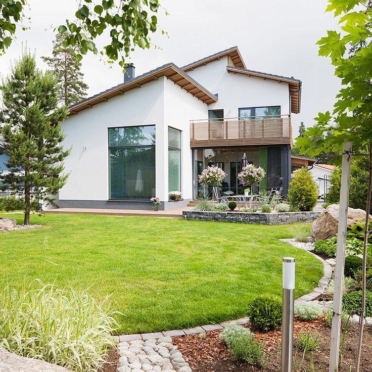 Kesä on hyvä aika aloittaa oman talon suunnittelu! Ota yhteyttä asiantuntevaan myyjäämme ja tule juttelemaan tai jätä yhteystietosi, niin otamme sinuun yhteyttä! www.lammi-kivitalot.fi #lammikivitalo #kivitalo #tyylikäs #ajaton #koti #suunnittelu #architecture #arkkitehtuuri #kesä
