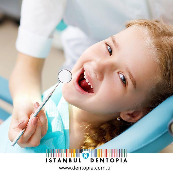 Çocuğunuzun süt dişleri, alttan gelen daimi dişler için rehberlik görevi üstlenmektedir. Erken yaşta süt dişlerinin çekimi; alttan gelen dişin doğru gelmemesi, çene kemiği gelişim bozuklukları ve diş çapraşıklıkları gibi sıkıntılara yol açar. Bu yüzden süt dişi dahi olsa tedavilerini önemsemek gerekmektedir. #dişsağlığı www.dentopia.com.tr