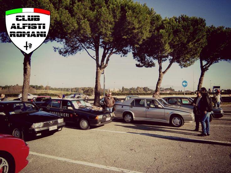 Incontro auto storiche con il Club Alfisti Romani all'area di servizio Settebagni domenica 21-12-2014. @alfaromeoglobal #Alfa #AlfaRomeo #AlfistiRomani https://www.facebook.com/alfistiromani #Alfa75
