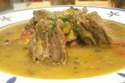 Estofado de añojo con pimientos tricolores (Stufato di manzo con peperoni tricolore) – Recetas italianas, recetas de cocina italiana en espa...