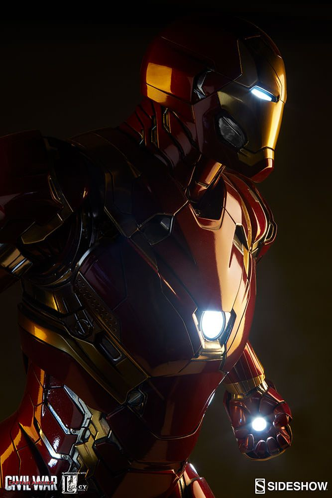 Marvel Iron Man Mark XLVI Legendary Scale(TM) Figure by Side   Sideshow Collectibles