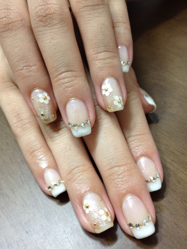 French nail and flowers❤︎