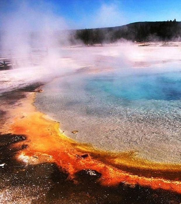 Yellowstone, USA : selon certains observateurs, une éruption à part entière de Yellowstone pourrait laisser les deux tiers des Etats-Unis complètement inhabitables.