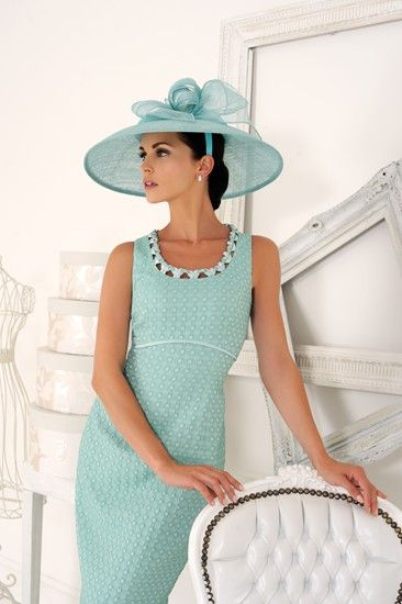 A gorgeous peppermint green wedding guest dress from Dress Code by Veromia.