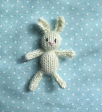 Free knitting patterns: tiny knitted toys