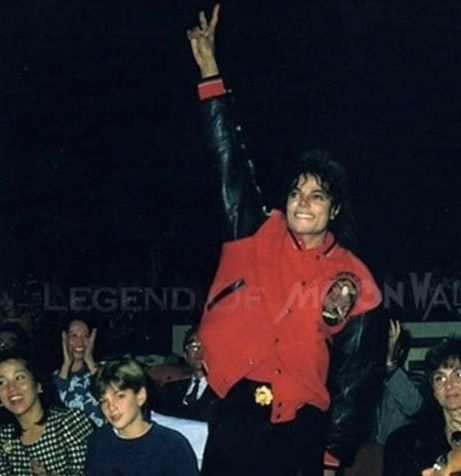 Who is the most handsome man in the world?????? Michael Jackson!!!