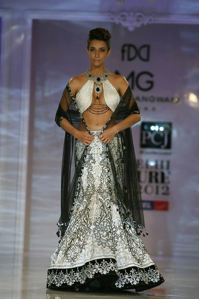 Day 5 of Delhi Couture Week 2012