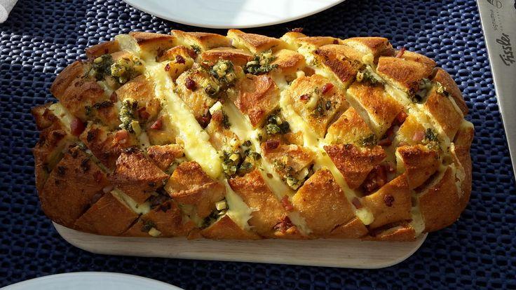 Knoblauch-Käse-Ciabatta, ein leckeres Rezept aus der Kategorie Vegetarisch. Bewertungen: 20. Durchschnitt: Ø 4,3.
