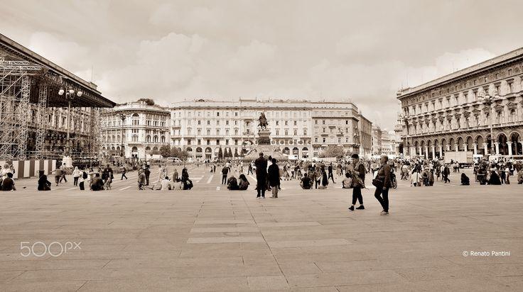 Piazza del Duomo, Milano. - Taken in Milan, Italy. (June 2016)
