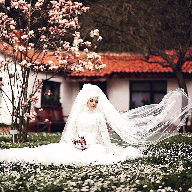 muslimweddingideasSuch a stunning photo by @sercansevenphotography!