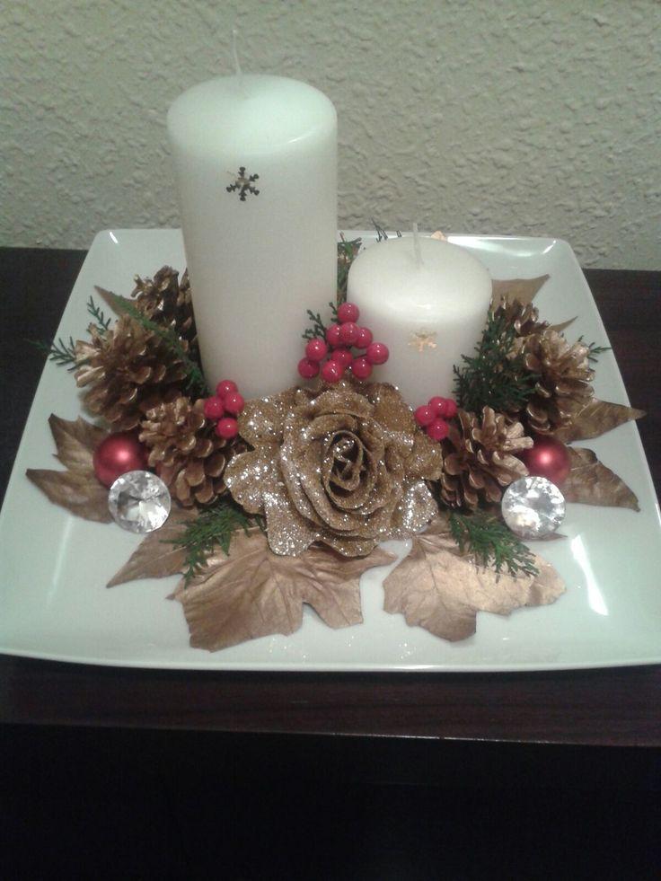 Centro de mesa de navideño en color dorado
