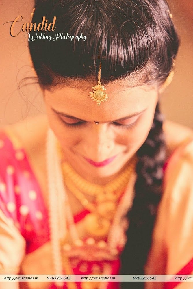 "👰 VMSTUDIOS ""Portfolio"" album  #weddingnet #wedding #india #indian #indianwedding #ceremony #indianweddingoutfits #outfits #backdrops #prewedding #photographer #photography #inspiration #gorgeous #fabulous #beautiful #jewellery #jewels #details #traditions #accessories #lehenga #lehengacholi #choli #lehengawedding #lehengasaree #saree #bridalsaree #weddingsaree #tikka #earrings #pune #gold #darkblue"